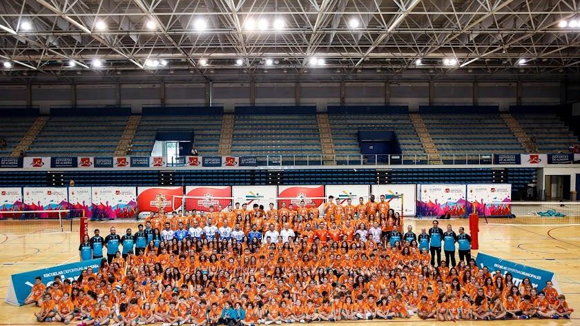 El concejal de Deportes visita la EDM de Voleibol Mintonette