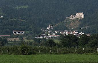 Photo: Po prawej ruiny zamku Lichtenberg.