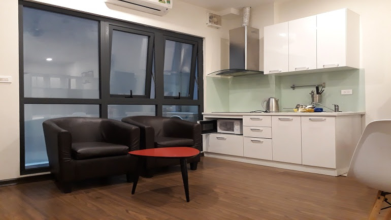 Budget studio apartment in Giang Vo street, Dong Da district for rent