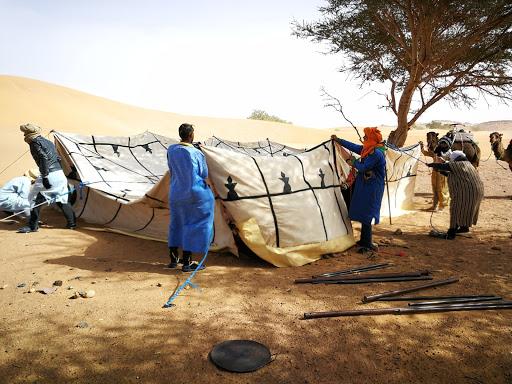 Bivouac; stage énergétique en connexion aux dromadaires dans le désert Chantal Vereyen