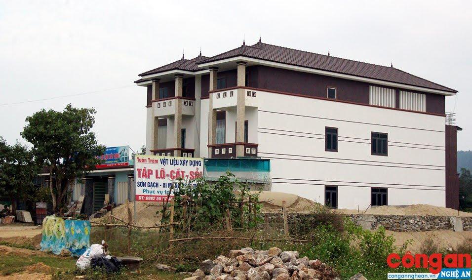 Một ngôi nhà xây trên đất chuyển nhượng trái thẩm quyền tại xã Mỹ Thành