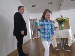 Photo: Helga Sigurlaug Helgadóttir í 2. bekk fær viðurkenningu fyrir framúrskarandi árangur í lestri