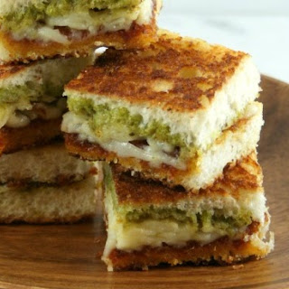 Double Pesto Grilled Cheese Bites