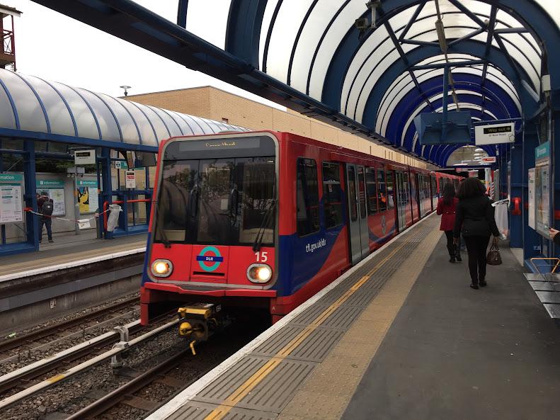 ロンドン DLR