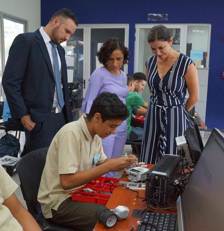 """CENTRO CÍVICO DE POCOCÍ LE ABRIÓ SUS PUERTAS AL ENCUENTRO TECNOLÓGICO """"YOUNG PEOPLE AND TECHNOLOGY EXPERIENCE"""""""