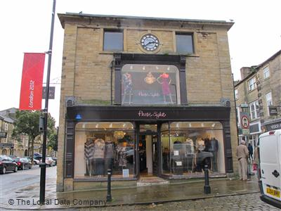 Phase Eight On High Street Fashion Shops In Skipton Bd23 1jp North Yorkshire