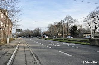 Photo: Links Polizeipräsidium / Polizei-Wizemann-Areal an der Pragstraße B10 auf Höhe der U-Bahn-Haltestelle Rosensteinpark