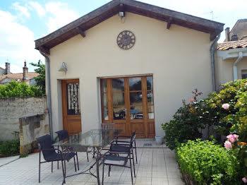 maison à Saint-Julien-Beychevelle (33)