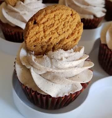 Pumpkin Spice Gingersnap Cupcakes
