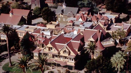 Vista aérea de la mansion winchester