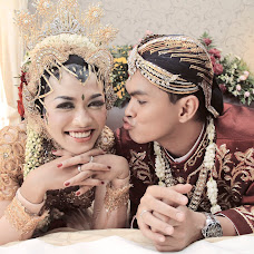 Wedding photographer Ridzky Setiaji (ridzkysetiajiph). Photo of 03.12.2014