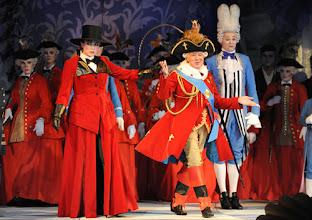Photo: WIEN/ VOLKSOPER: MADAME POMPADOUR von Leo Fall. Inszenierung: Hinrich Horstkotte. Premiere am 8.6.2012. Annette Dasch, Heinz Zednik. Foto: Barbara Zeininger