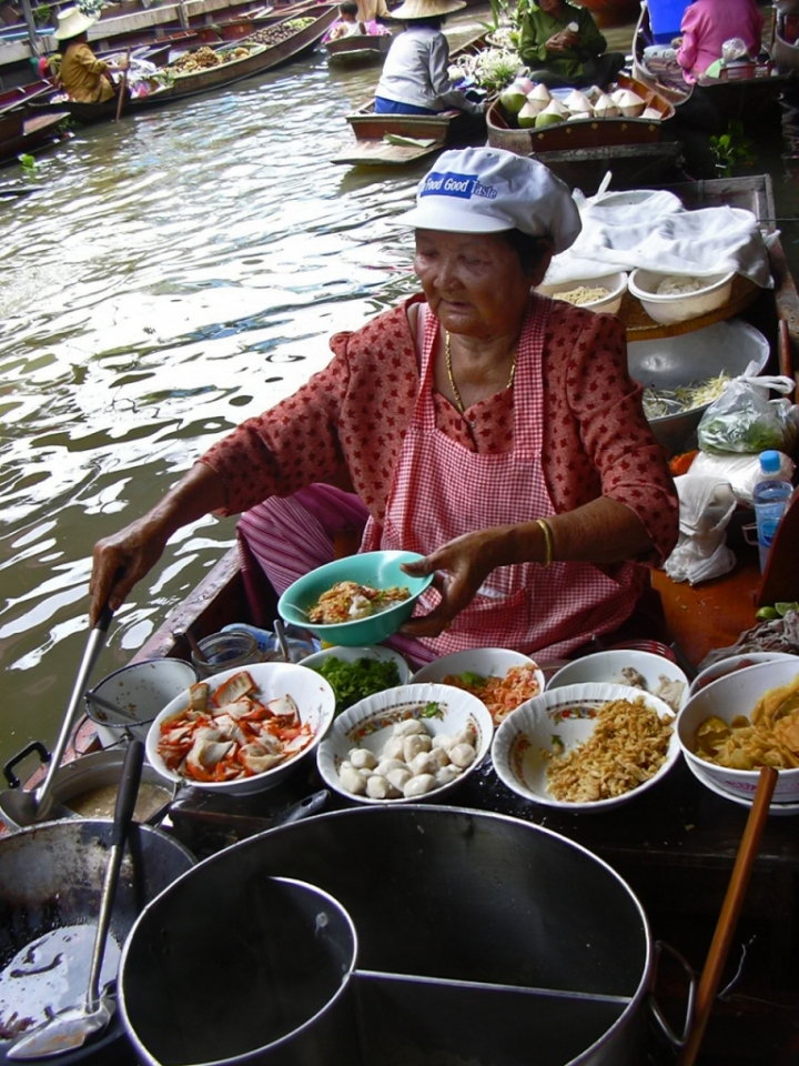 Floating kitchen di peiman