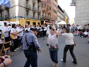 Photo: Actuación Coro Arcadia y ATADES. El público se animó a bailar!
