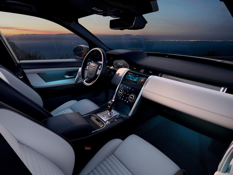 Интерьер Land Rover Discovery Sport 2019