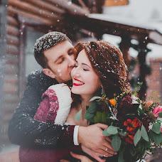 Wedding photographer Anastasiya Guseva (Fotopitoshka). Photo of 21.12.2015
