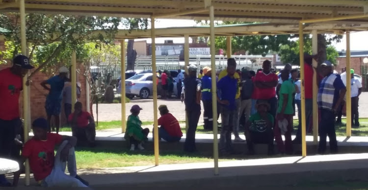 Parents and other community members at the Laerskool Schweizer-Reneke last week, a day after the photograph saga became public.
