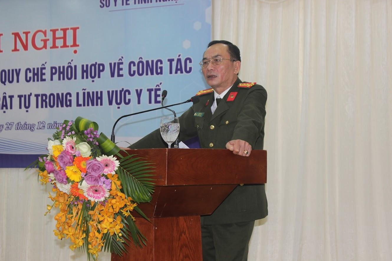 Đồng chí Đại tá Lê Xuân Hoài, Phó Giám đốc Công an tỉnh phát biểu tại Hội nghị