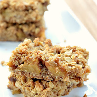 Apple Pie Oatmeal Bars