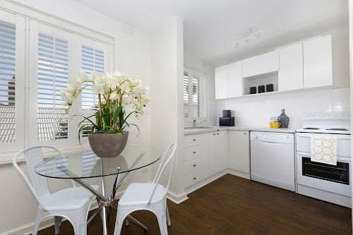 Photo of property at 7/6 Byron Street, Elwood 3184