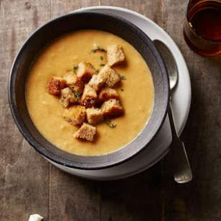 Cauliflower Soup with Smoked Gouda