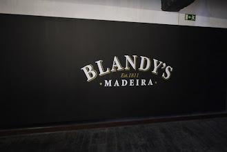 Photo: la marque de vin de Madere la plus celèbre