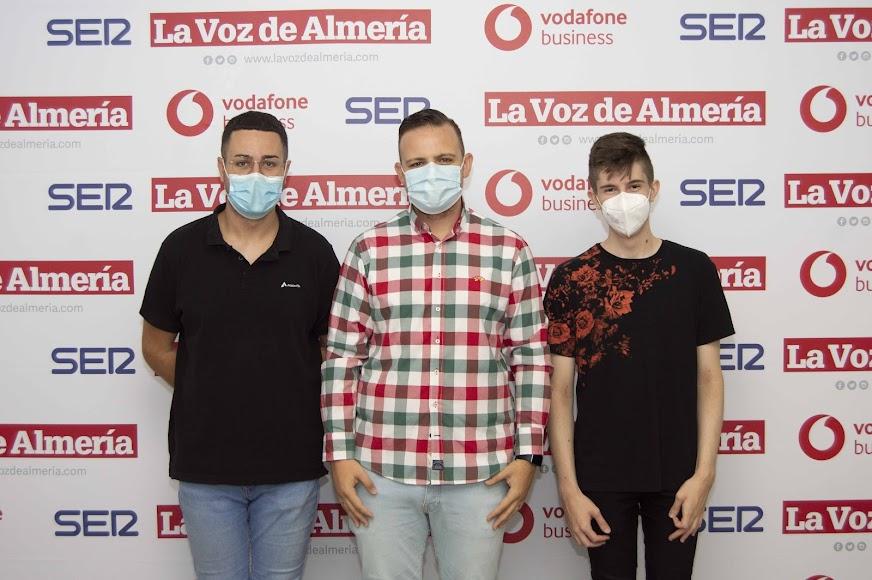 Mario Jiménez Cruz, técnico informático de Adelantia; Álvaro Castro, director ejecutivo de BNI Almería; David Puga Ruano, informático de Adelantia.