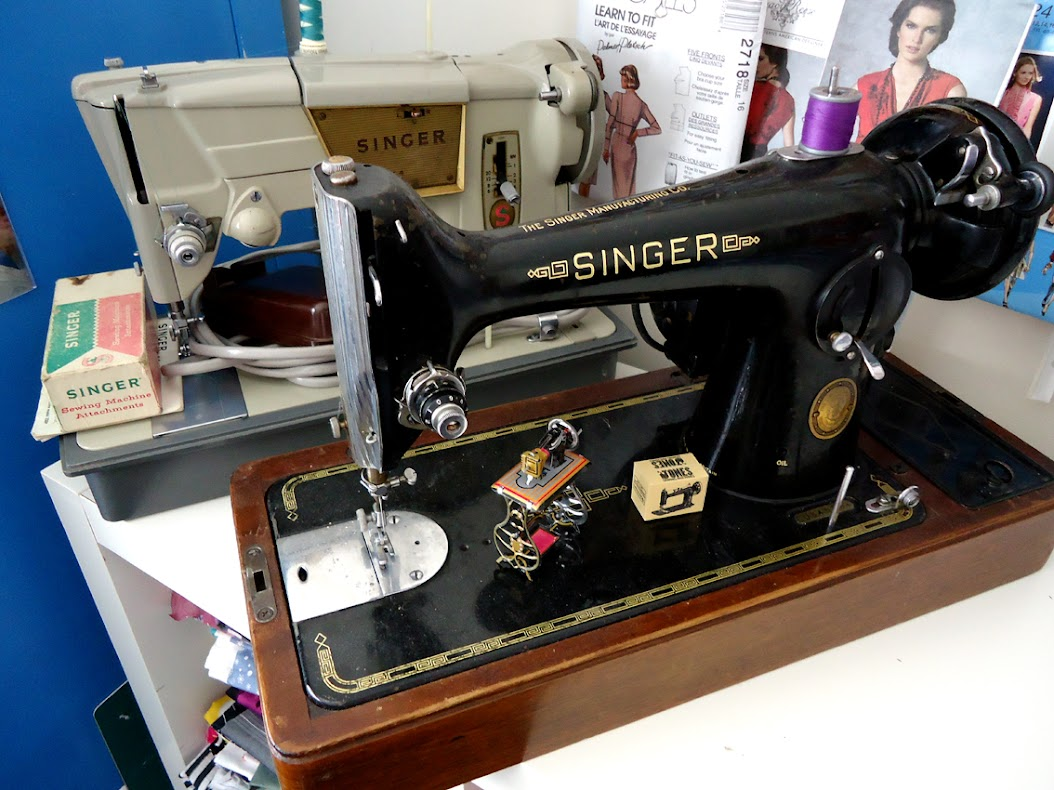 Vintage Sewing Machine The Curious Kiwi Singer 221 K Threading Diagram Internet Did Come In Handy For Teaching Me That 328p Was Produced Out Of Penrith Factory Nsw Australia Is What P Denotes