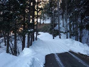 途中から道に雪が多く