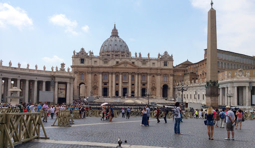 st-peters-basilica-3.jpg - The plaza at Vatican and St. Peter's Basilica.