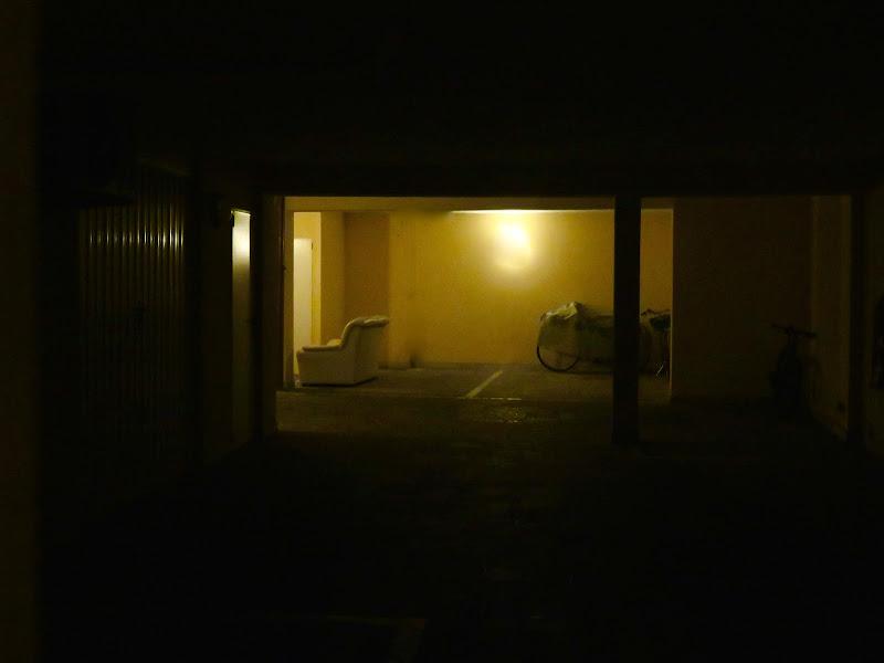 garage illuminato di mariellaturlon