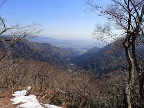 青川渓を見下ろす