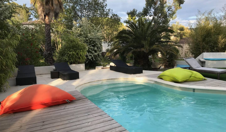 Villa avec piscine et terrasse La Crau