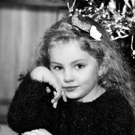 Innocence by Daniel Sabau - Babies & Children Child Portraits ( children portrait, colchester, black and white, bloommedia, children, photoshoot, portrait )