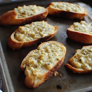 Quick Garlicky Parmesan Crostini Recipe