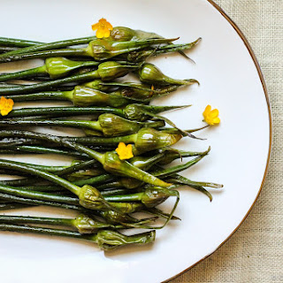 Roasted Garlic Scapes (Spears)