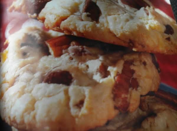 Chocolate Macadamia Nut Oatmeal Cookies Recipe