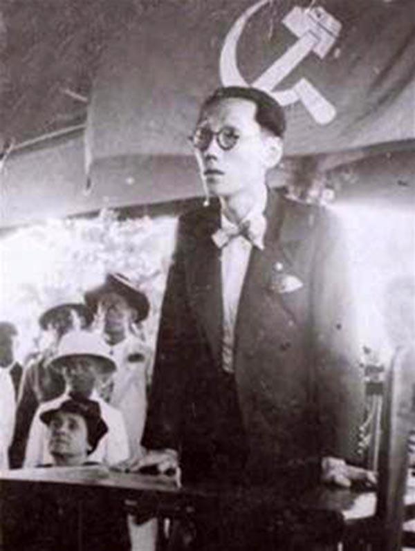 Ngay từ năm 1927, Vua Duy Tân đã có chân trong Hội kín Franc-Maconnerie