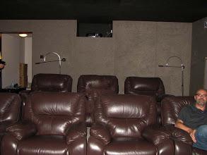 Photo: Inainte de spectacol in cinema-ul lui Alex