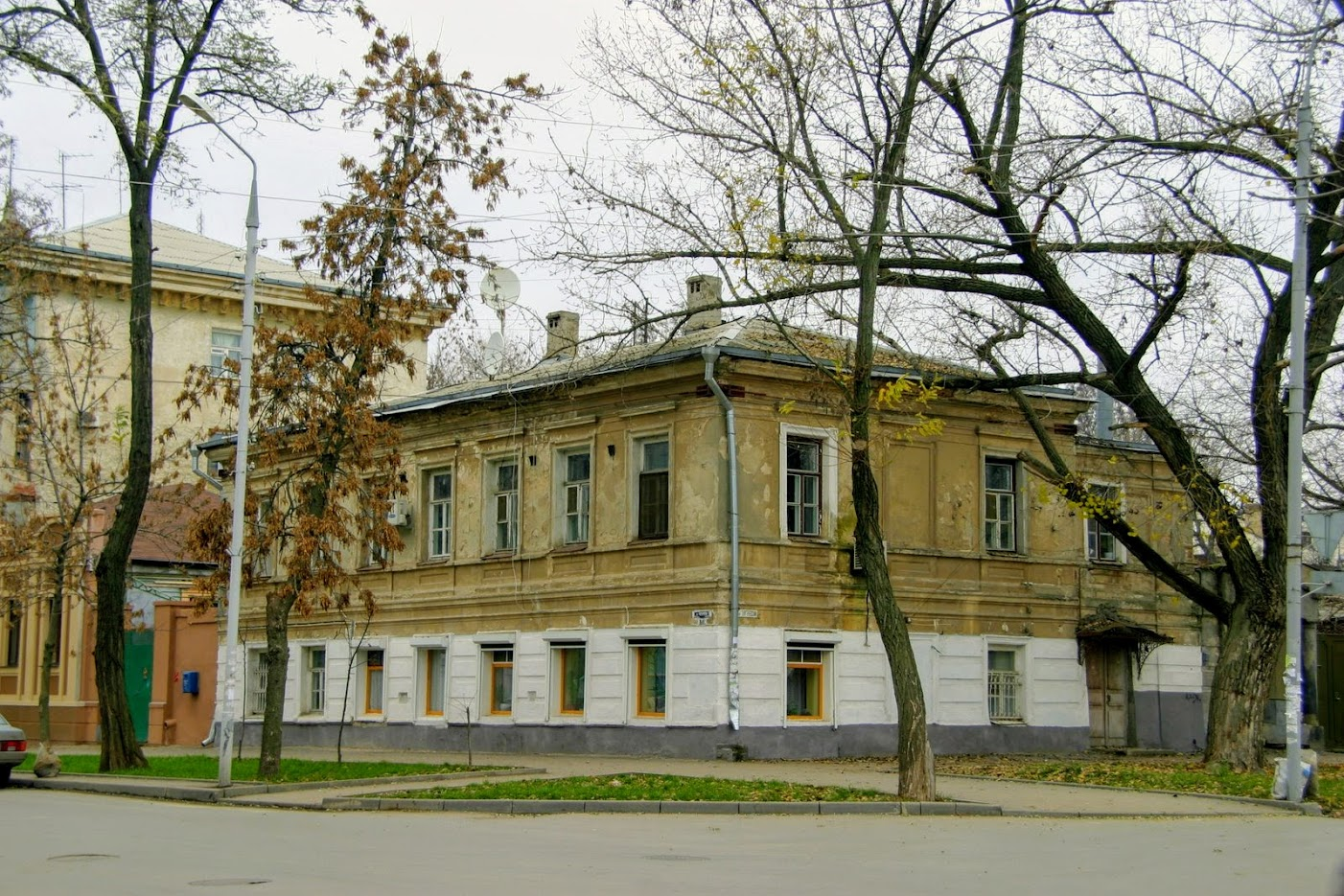https://sites.google.com/site/istoriceskijtaganrog/cehova-ulica/dom-70