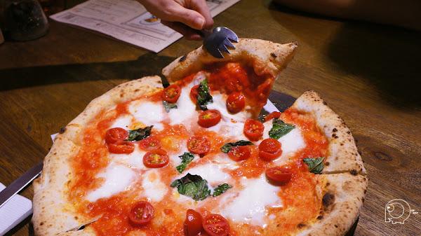 拿坡里披薩協會認證的披薩店 民權店平日中午還有吃到飽哦-PIZZERIA OGGI(民權店)@捷運中山國中站@民權東路