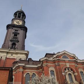 北ドイツで最も重要なゴシック教会 ハンブルクの聖ミヒャエル教会から港町の絶景を楽しむ