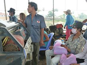 Photo: Na trajektu sice není moc místa, ale zato když je člověk rychlý, může se tu posadit i na plastové židličky.