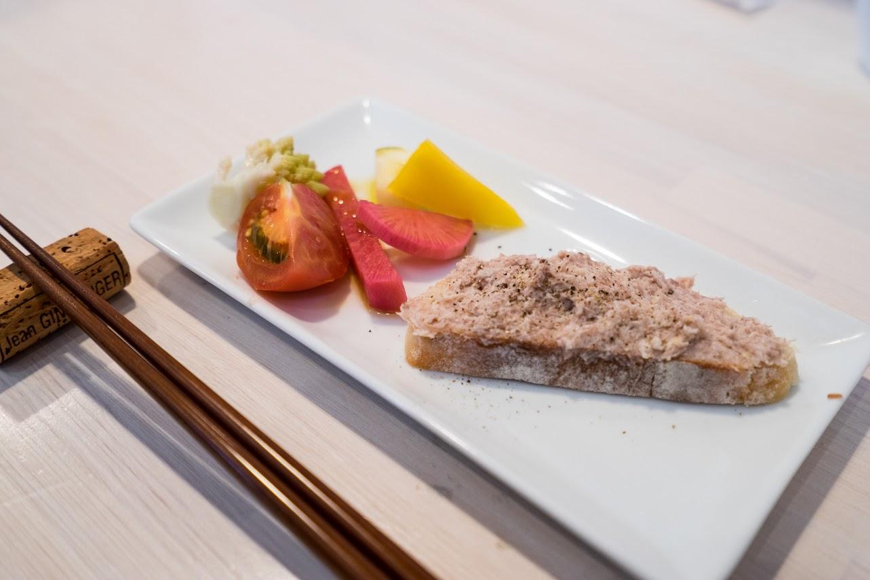 豚肉のリエットと野菜ピクルス