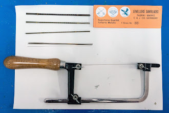 Photo: the jewelry saw, with 4 sizes of blade, the thinnest is like a thread of hair