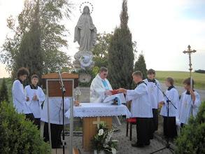 Photo: Záběr na slavnostní bohoslužbu u Panny Marie 2012