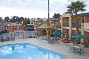 Vallejo Inn & Suites