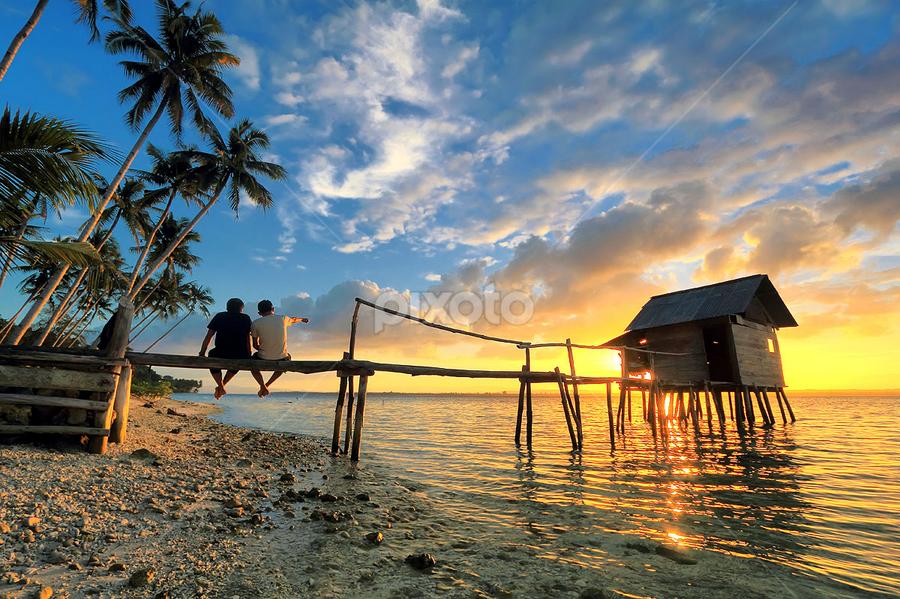 Menanti senja  by Jimmy Papia - Landscapes Sunsets & Sunrises ( beaches, tree, sunset, bluesky, couple, house, people )