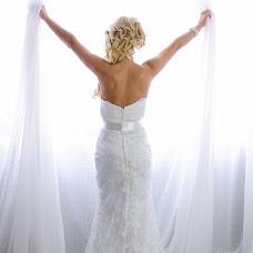 Wedding photographer Anzhelika Kuzminskaya (KAMcreatiVe). Photo of 12.02.2015