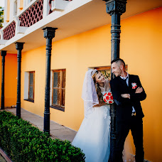 Wedding photographer Mariya Vishnevskaya (maryvish7711). Photo of 20.03.2018